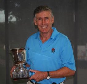Sams accepts the NSW Senior Amateur title