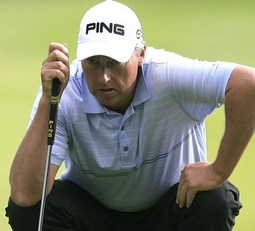 Fond memories help Harwood lead 2011 Senior British Open