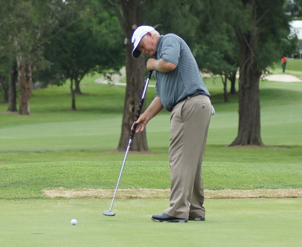 Peter Senior in his final season with a long putter. Pictured here in action at the 2015 Australian Senior PGA Championship at Richmond Golf Club